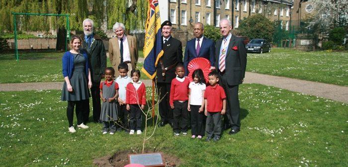 Mayoral tree planting group