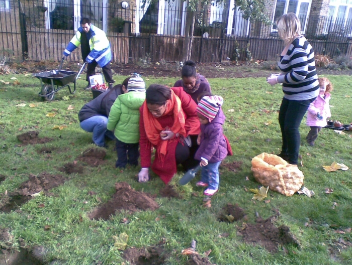 Planting bulbs at Selwyn Square
