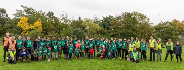 Trees for Cities volunteers